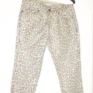 JORDACHE skinny crop leopard/animal  print capri